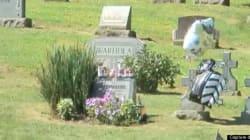 Une retransmission en direct de la pierre tombale d'Andy Warhol pour ses 85 ans