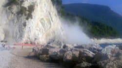 Terremoto, scossa di 4.4 nella Marche: dal Monte Conero si stacca blocco di calcare dopo una
