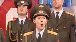 Questo soldato russo ha più talento di Adele