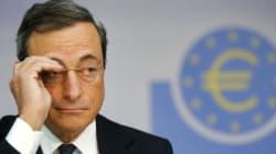 Draghi alza lo scudo e tiene i tassi invariati, ma affila le armi in vista della crisi
