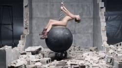 Scandalosa Miley Cyrus: l'attice di Hannah Montana appare senza veli nel nuovo videoclip (FOTO,