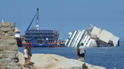 Le redressement du Costa Concordia a commencé (VIDÉO EN