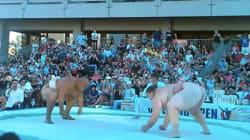 Un combat de sumo se termine avec une prise impressionnante