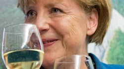 Hollande invite Merkel à