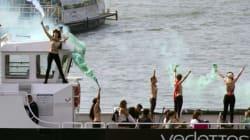 Les Femen manifestent sur la Seine en soutien à