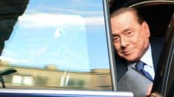 Berlusconi tratta su Forza Italia con i suoi per evitare la scissione sul sostegno a Letta. E Alfano a pranzo si ribella: