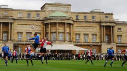 Le gazon de Buckingham Palace accueille un match de
