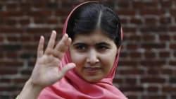 Un anno fa l'attentato a Malala. La scuola la cancella per proteggere lei e le sue compagne