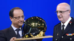 Hollande cajole les