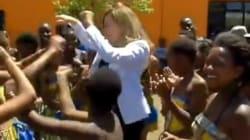 Trierweiler danse au milieu d'enfants