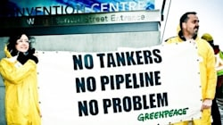 Greenpeace Blockades Kinder