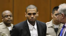 Chris Brown va devoir rester en cure de