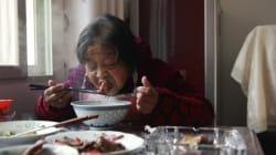 Quand on mange seul, on se nourrit moins
