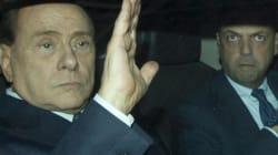 Spiazzato dalle reazione di Berlusconi, Alfano non sa dove andare e cerca una mediazione. Colombe divise sulla