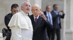 Giorgio Napolitano si ispira a Papa Francesco e chiede