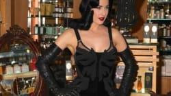 La regina del burlesque glamour e fetish per...