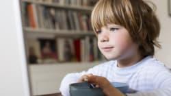 Un tiers des jeunes enfants mangent devant un