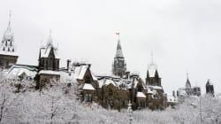 Des manifestants d'Ottawa et de Toronto dénoncent le référendum en