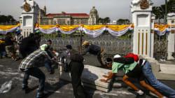 Thaïlande : la police renonce, les manifestants entrent au siège du