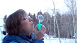 This Couple Blowing Bubbles In The Cold Is An Absolute Overload Of Canadian