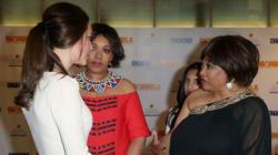Dos hijas de Mandela reciben la noticia en el estreno de su