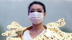 Le smog force des mannequins chinoises à porter un