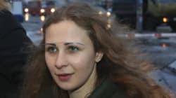 ロシアの女性2人組ロックバンド、恩赦で釈放