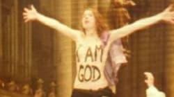 Le Femen bloccano la messa natalizia a