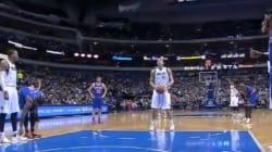 NBA : il détache les lacets de son