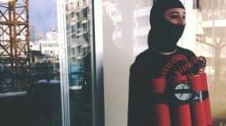 Pourquoi cette femme se promène-t-elle à Beyrouth déguisée en