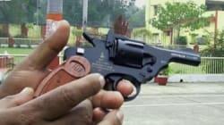 In India la pistola antistupro (FOTO,