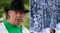 Fort McMurray Residents Show Neil Young Their