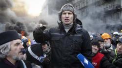 Ukraine: les militants prennent un ministère d'assaut à