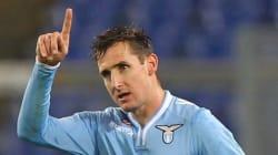 Le buteur Miroslav Klose prend sa