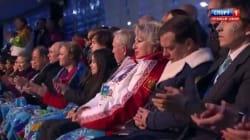 Le petit somme de Dmitri Medvedev pendant la cérémonie
