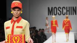 Les tenues mode McDo du designer Jeremy Scott