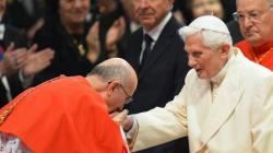 La reaparición de Benedicto XVI en la Basílica de San Pedro