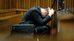 Oscar Pistorius vomit pendant le compte-rendu de l'autopsie de sa