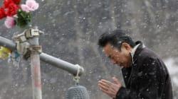 Silenzio, fiori e lacrime: il Giappone a 3 anni dallo tsunami