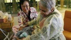 Babies In Hospital Benefit From Volunteer