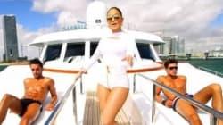 Jennifer Lopez entourée d'hommes objets dans son nouveau