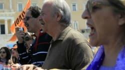 Grecia, maxi sciopero contro l'austerity. E Atene torna sul mercato