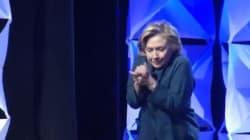 Hillary Clinton, cible d'un lancer de