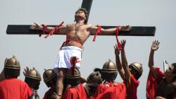 Vendredi Saint aux Philippines: un cinéaste danois participe aux traditionnelles crucifixions