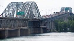 Le pont Honoré-Mercier complètement