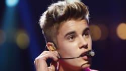 Justin Bieber drague une mannequin sur