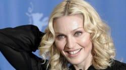 Madonna prova a reagire alla sconfitta. Ma la sua faccia dice