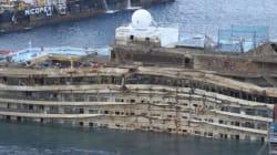 Costa Concordia, cede un cassone per il