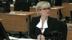 La députée libérale Julie Boulet devant la commission