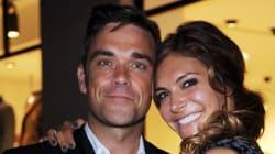 Robbie Williams tweete une photo de sa femme Ayda Field en talons aiguilles avant son accouchement
